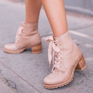 Gal Meets Glam x Frye Sabrina Boots in Blush 8.5